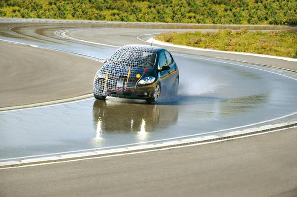 Wet-Handling-Dynamics